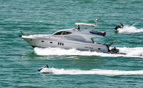 gcs-cannabis-calendar-yacht