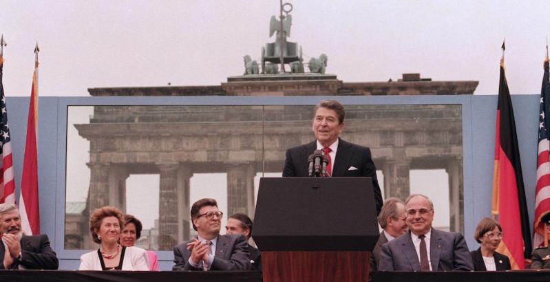 Reagan Brandenburg Gate Speech