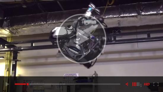 robots-lift-video